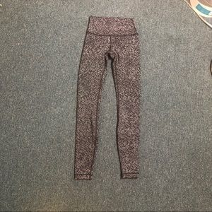 NWOT lululemon black and white speckled leggings 2